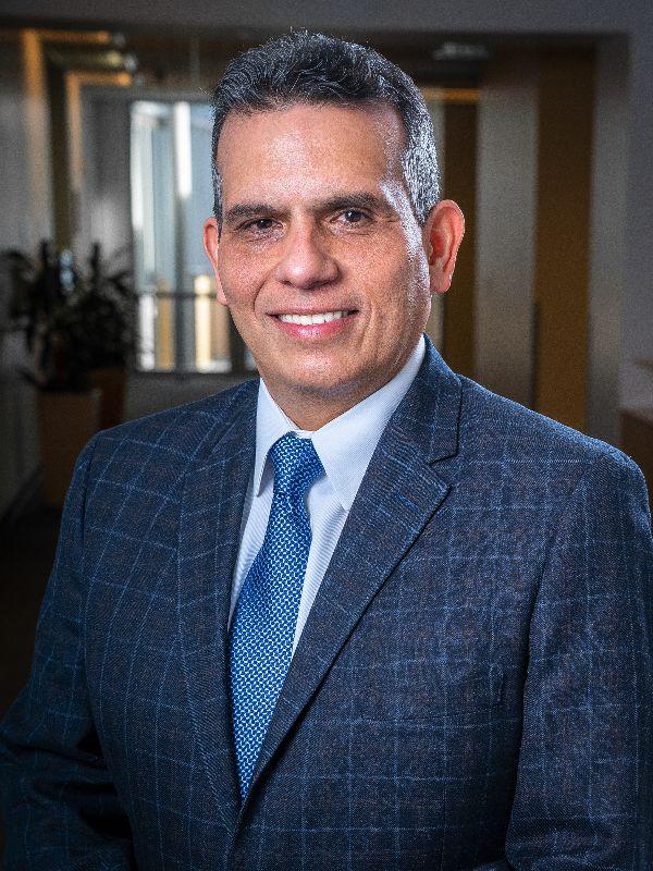 Dr. Enrique Rosado